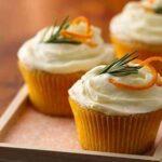 طرز تهیه کاپ کیک پرتقالی با رویه مخصوص وانیلی
