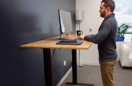 از فواید استفاده از میز کار ایستاده-سلامت