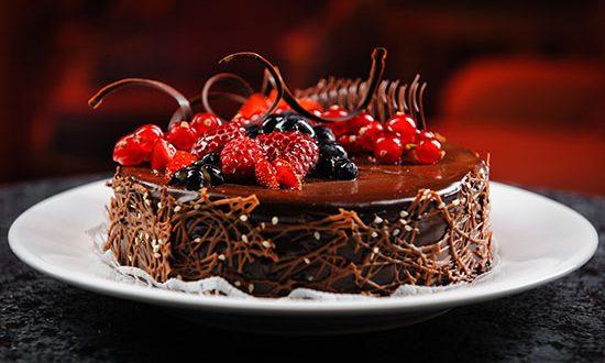 طرز تهیه کیک شکلاتی با میوه های تابستانی – آشپزی