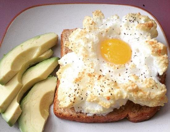 تخم مرغ ابری برای صبحانه