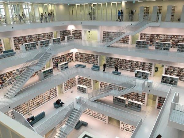 کتابخانه اشتوتگارت- عکس کتابخانه اشتوتگارت