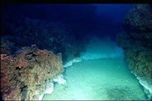 ۹پدیده ی عجیب اقیانوسی در جهان