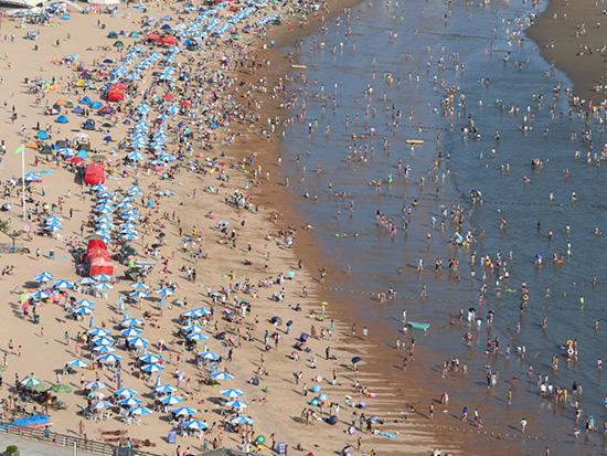 با پر جمعیتترین مکانهای دنیا آشنا شوید؛ از جاذبههای گردشگری تا جزایر دورافتاده