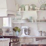 خاصیت استفاده از قفسههای بدون درب در آشپزخانه