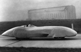 رمزگشایی از  رکورد ۴۰۰ کیلومتر بر ساعت مرسدس بنز W125 در ۸۰ سال پیش – فناوری