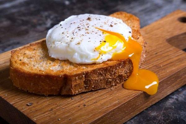 چرا باید تخم مرغ کامل مصرف کنیم؟