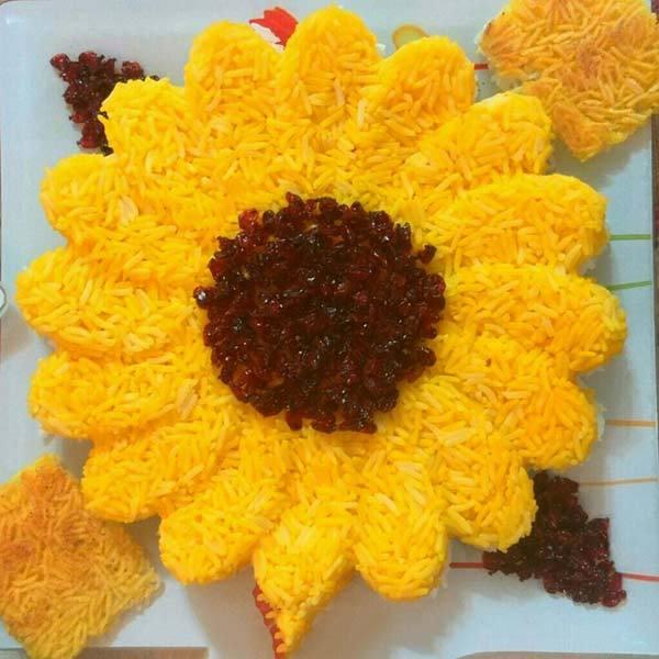 تزیین پلو مجلسی با زعفران و زرشک و استفاده از قالب
