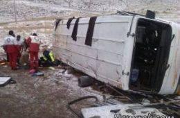واژگونی مینی بوس دانش آموزان پسر در نکاء مازندران