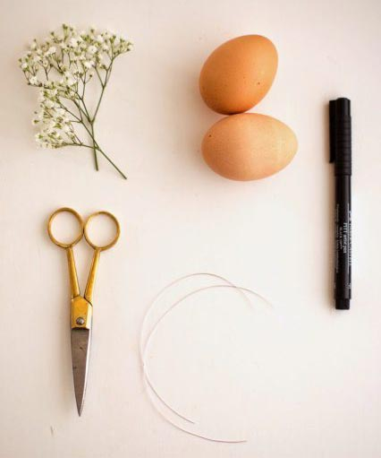 عکس وسایل تزیین تخم مرغ سفالی با تاج گل