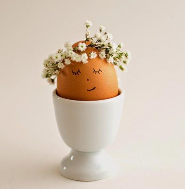 عکس تزیین روی تخم مرغ سفالی