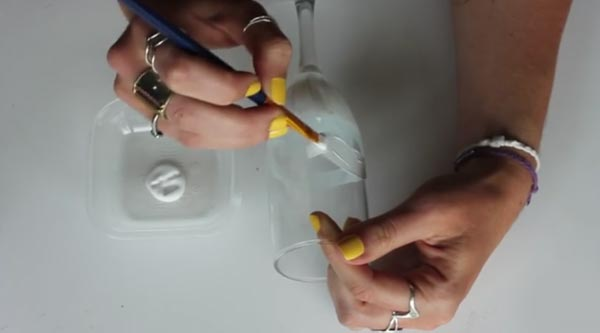 عکس درست کردن جام عروسکی برای تزیین هفت سین عروس