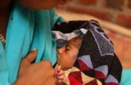 مرگ دختر هندی  شیر خوار هنگام خوردن شیر مادر