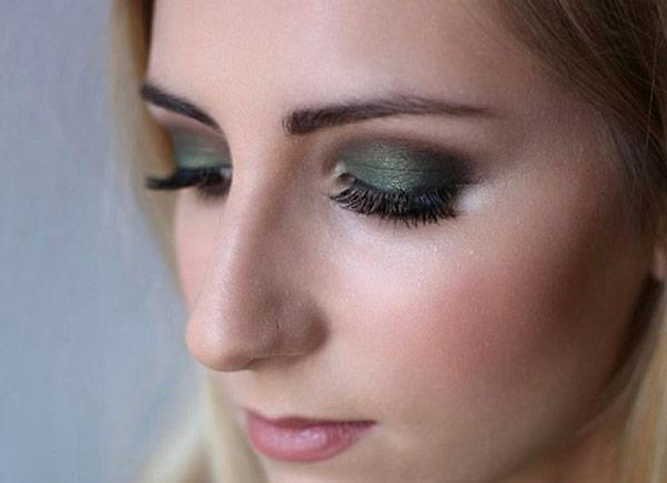 آرایش چشم قهوه ای - سایه سبز تیره