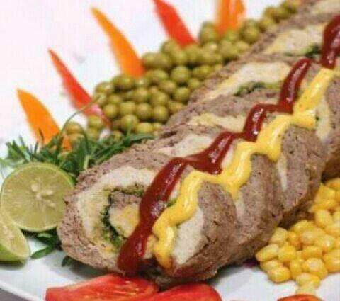 رولت دورنگ با گوشت و مرغ