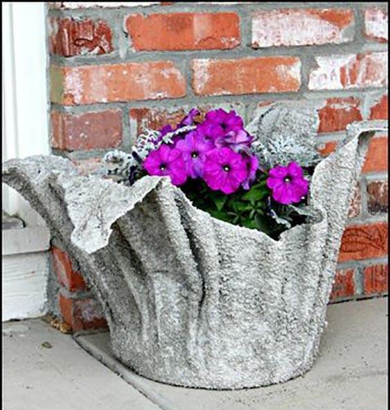 عکس آموزش ساخت گلدان سیمانی با پارچه