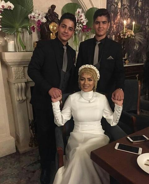 سمانه پاکدل به همراه خواهرزاده هایش