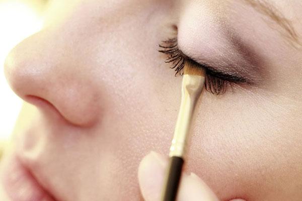 آموزش کشیدن خط چشم حرفهای