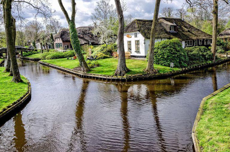 گیتورن دهکده ای بدون جاده در هلند