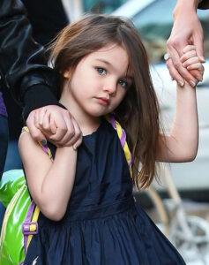 دختر تام کروز