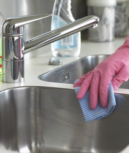 برای داشتن یک سینک تمیز و براق چه کنیم؟