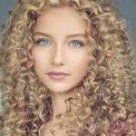 مراقبت از موهای فر / بهترین روشهای  مراقبت از موهای فر و وز در خانه