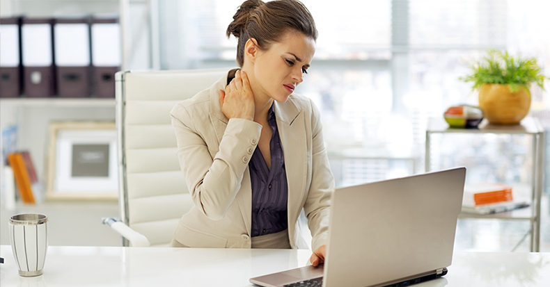 دلایل گردن درد در افراد چیست ؟