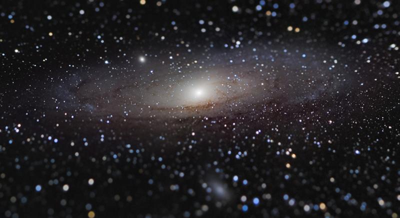 «کهکشان آندرومدا در فاصلهای نزدیک» اثر: نیکولاس لوفاودوکس