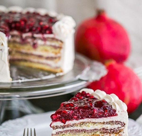 کیک شب یلدا با ژله انار