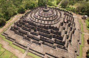 معبد باستانی بوروبودور