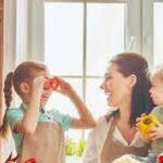 6عادت سالمی که والدین باید به کودکان خود بیاموزند