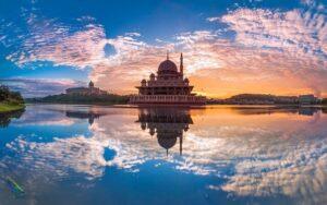 مسجد پوترا در کوالالامپور مالزی