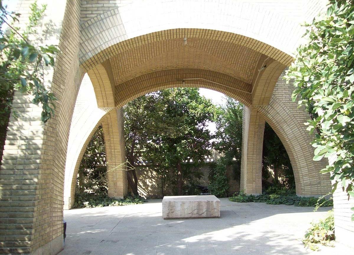 آرامگاه محمدبن خفیف شیرازی