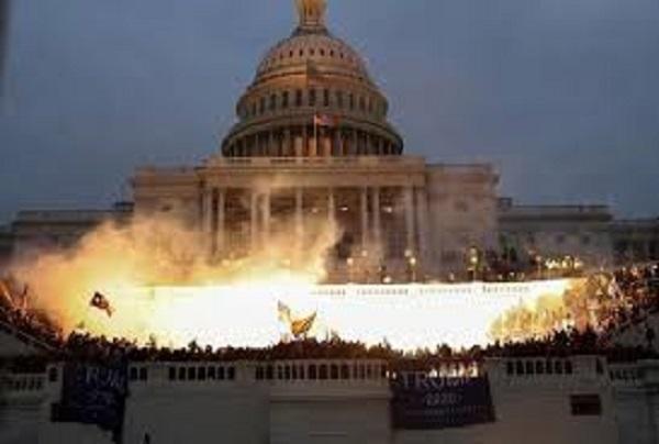 هرج و مرج در ساختمان کنگره آمریکا