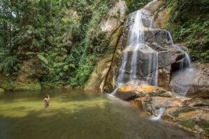 آبشار بایوز (Catarata Bayoz۹)