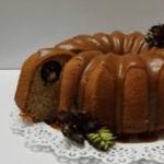 کیک خرما / طرز تهیه کیک خرمای مقوی با سس کارامل